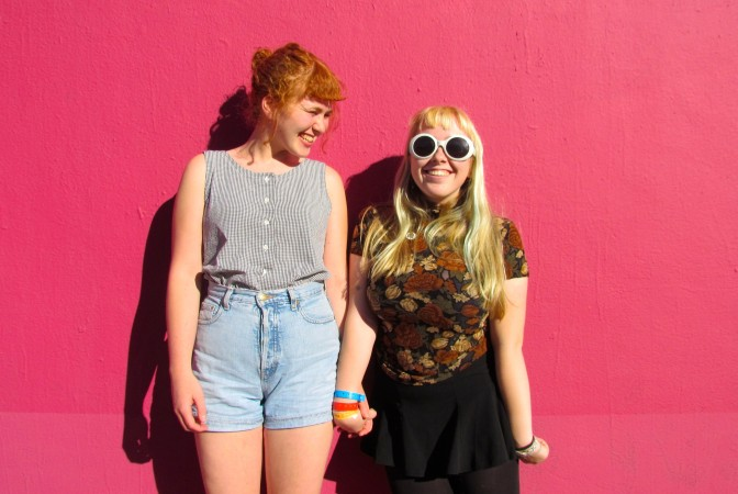 Girlpool : Alone at the Show
